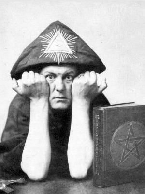 黒魔術師アレイスタークロウリー