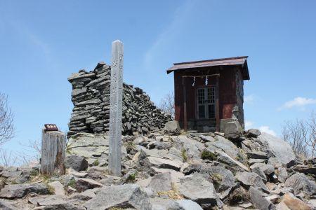 四阿山山頂神社