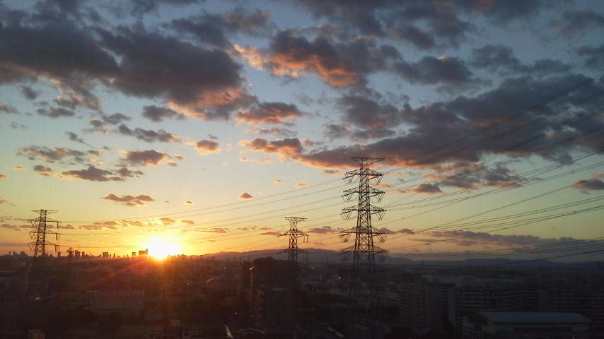 産大の夕日