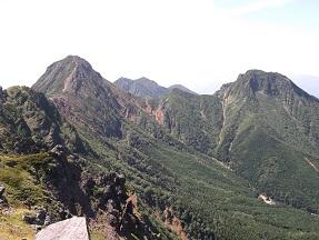 横岳より赤岳方面7.28