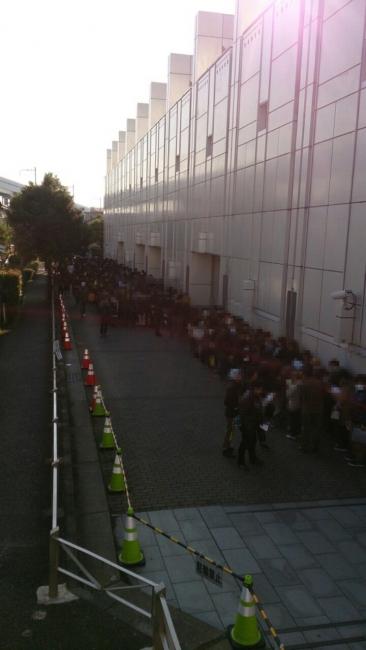 【あ艦これ】今日開催の『艦これオンリーイベント』に大勢の提督が集結!駅をまたいで列ができるほど!入場規制もあってやばい!