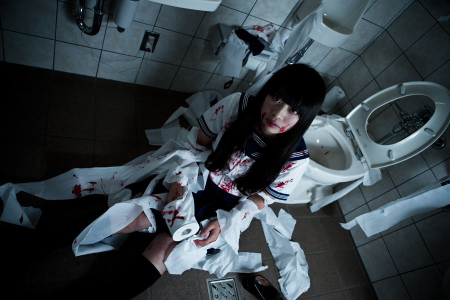 toilet-blood_02.jpg