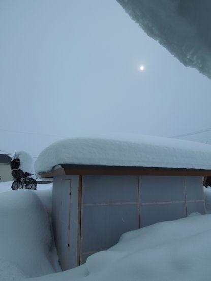 DSCN4564_東屋の雪