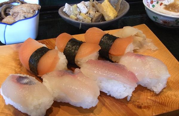 道の駅上平-赤カブ寿司セット
