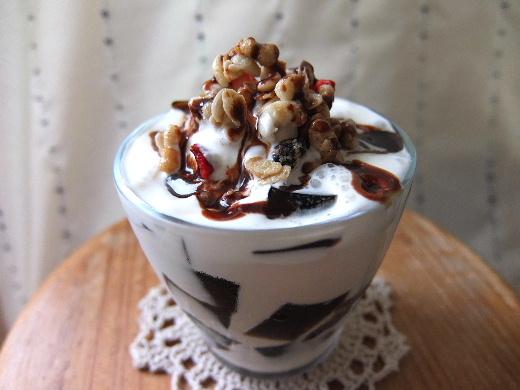 大人への扉を開いたコーヒーゼリーチョコレートソース