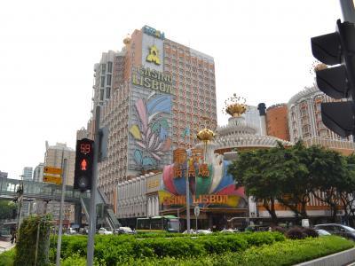 1970年、6,000万香港ドルを投入して建設された1,000室近くの客室やカジノを擁する「リズボアホテル」