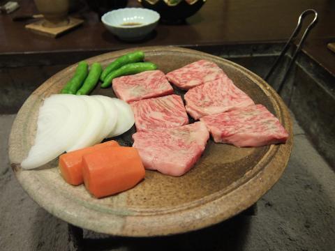 飛騨牛の陶板焼き1