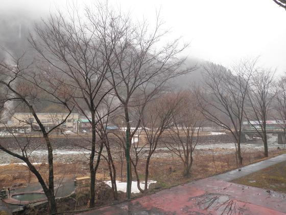 春雨の湯檜曽2