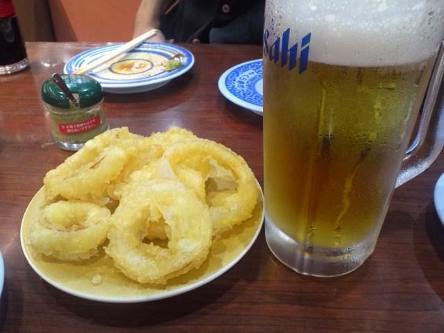 オニオンリングとビール