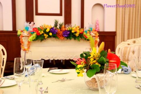 サイドテーブル装花(南国風)