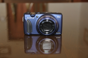 finepix900-web300.jpg