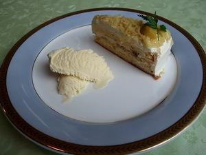 kuri-cake1-web300.jpg