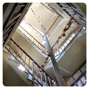 塔の螺旋階段内部