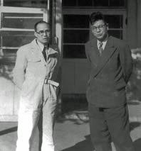 本田宗一郎(左)と藤沢武夫(右)
