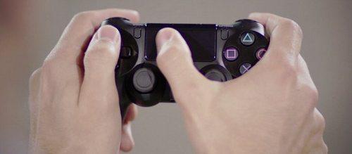 PS4コントローラ