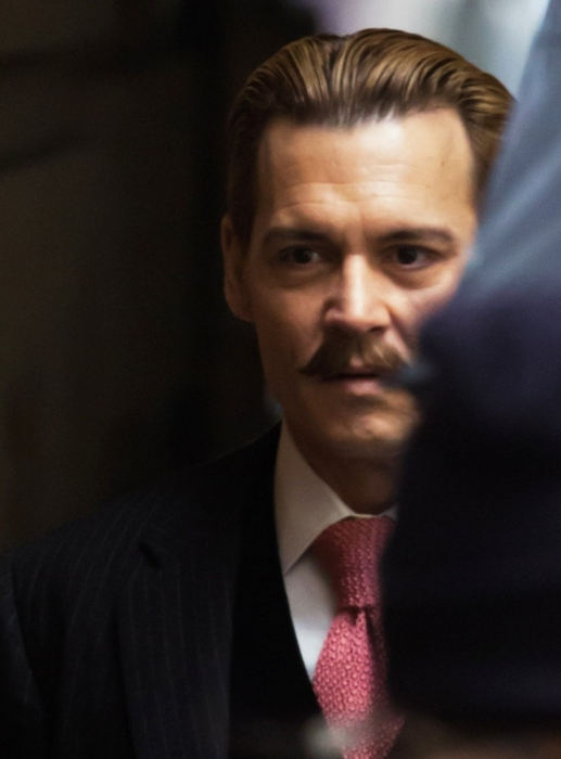 johnny-depp-on-set-movie-mortdecai-04.jpg