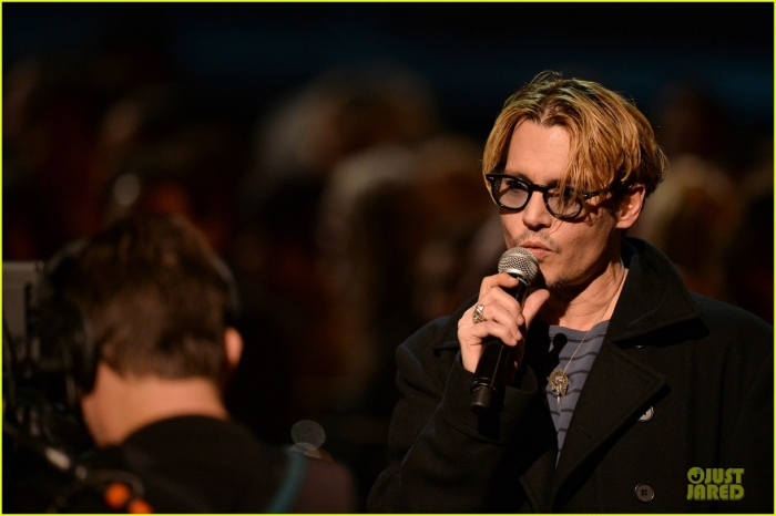 johnny-depp-sean-penn-beatles-tribute-presenters-14.jpg