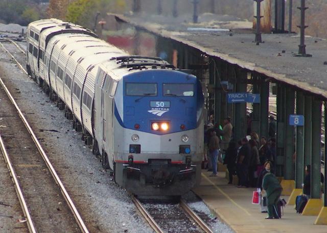 26Nov11 Amtrak Arrive1