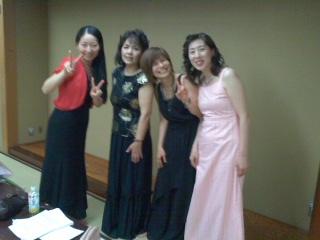 美女4人!の楽しい音楽会