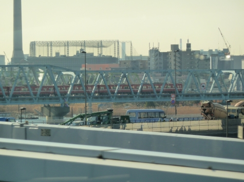 京成押上線(首都高速C2より)