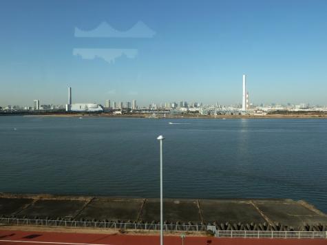 新江東清掃工場と東部スラッジプラント(首都高速C2より)
