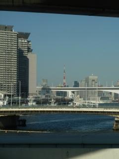 東京タワー(首都高速 湾岸線より)