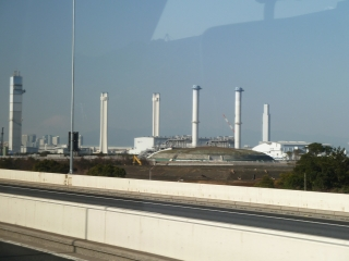 東京ガス扇島工場(首都高速 湾岸線より)