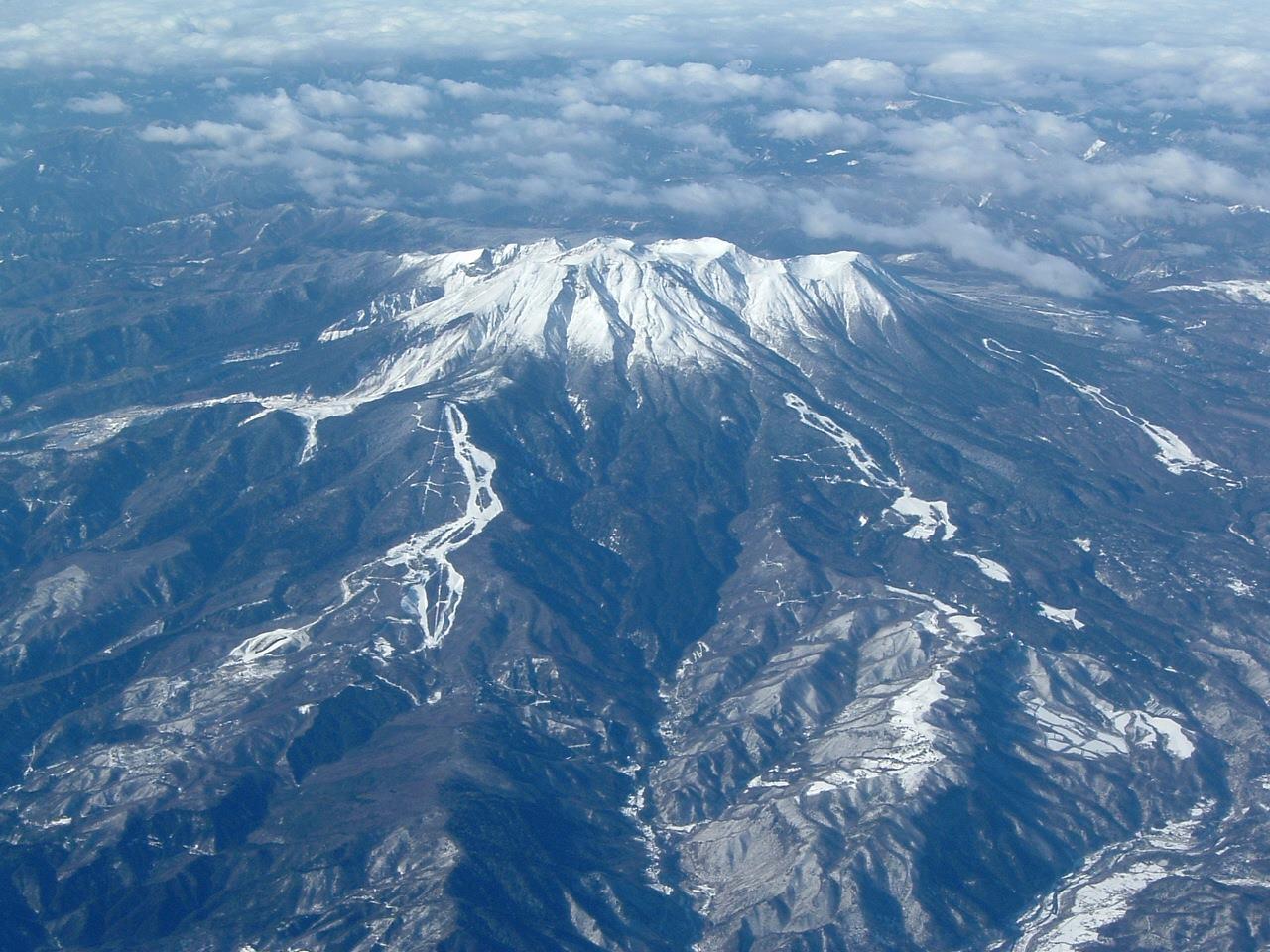 【フォッサマグナ】 長野・岐阜県境の御嶽山…噴火続く