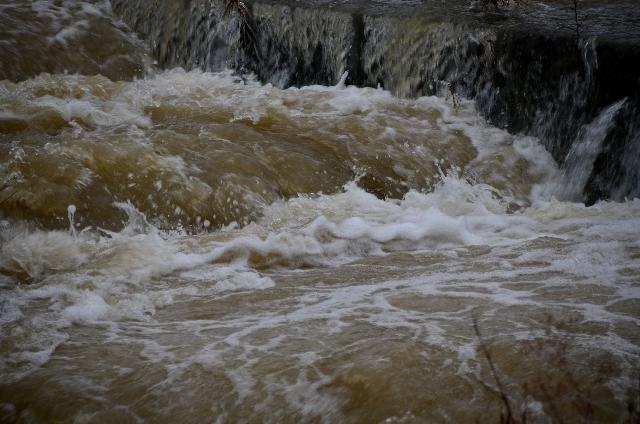 インド、カシミール地方で大洪水…「洪水というより津波」