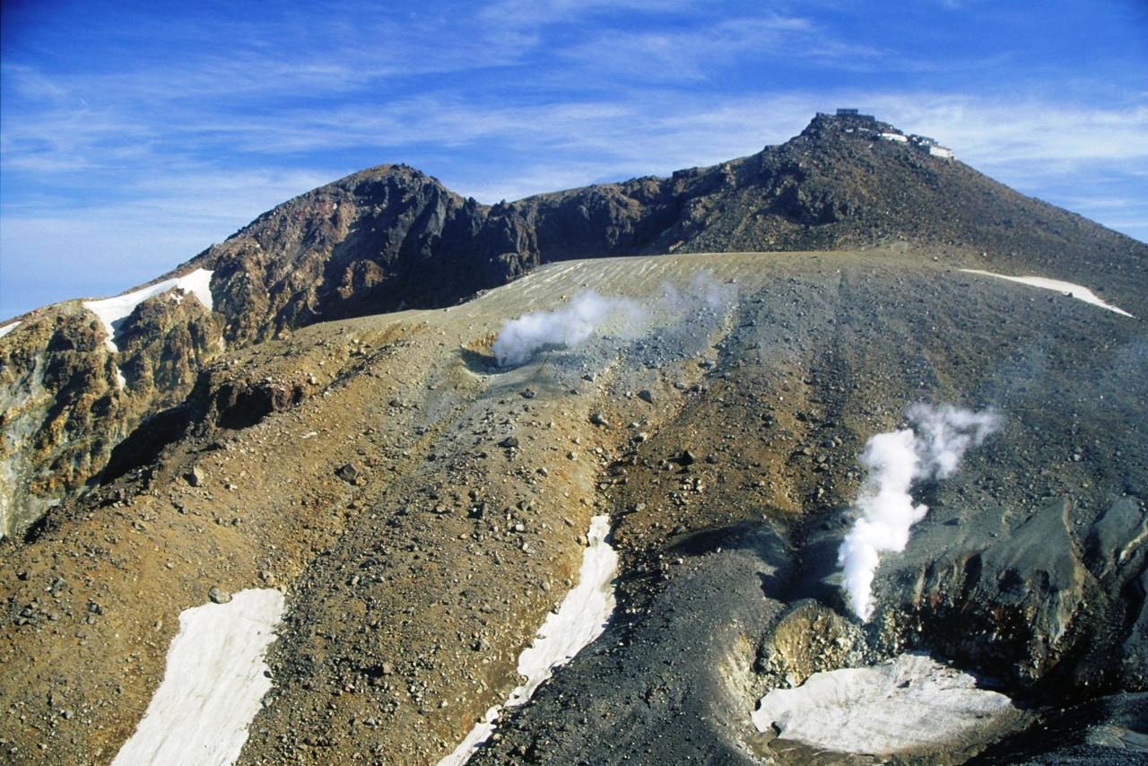 気象庁 「御嶽山が膨張…傾斜計に変化」