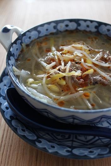 牛肉と豆もやしのスープ