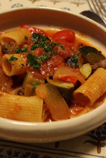 牛トマト煮のパスタ