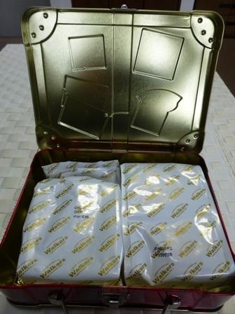スーツケース缶6