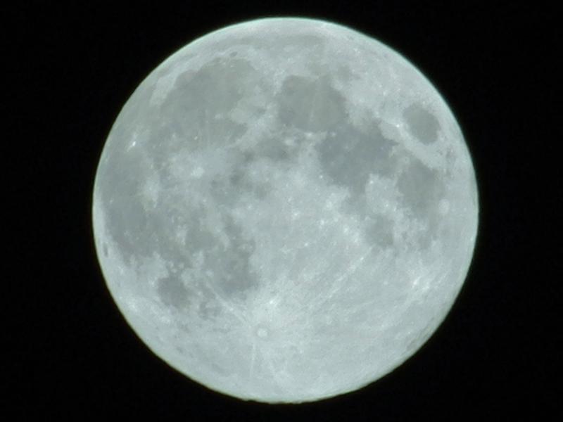 201209_moon_3595_w800.jpg