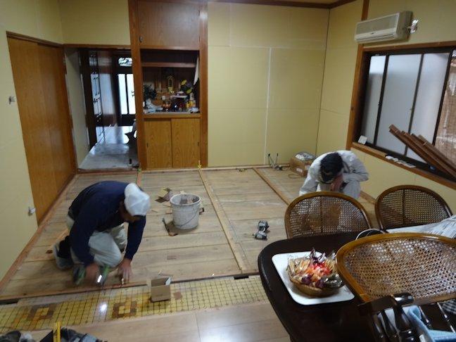 控え室床改修