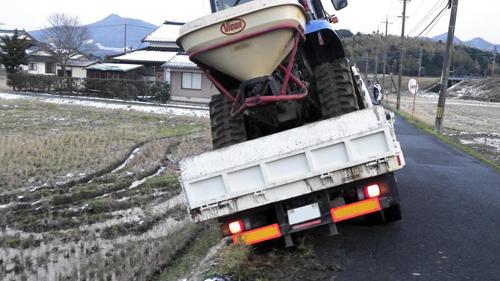 軽トラが脱輪したときの対処方法を教えて! - 軽トラック情報館|大阪事業所